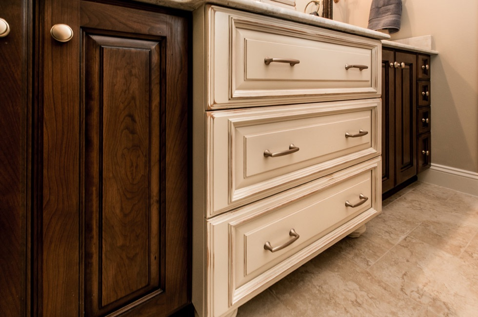 we at coin kitchen cabinetry the vanity warehouse have a great